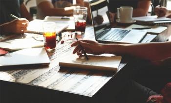 استارتاپ چیست؛ مراحل راه اندازی استارتاپ و نمونههای موفق آن